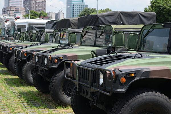 dellcy military car transport